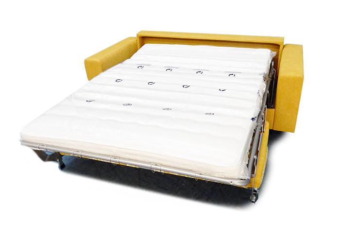 Sedežna garnitura s posteljo title=